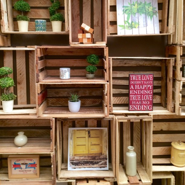 cajas fruta estantería